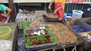 質量匂いともに最強クラスなバンコク庶民の台所「クロントイ市場」が凄すぎてたまらない (全2ページ)